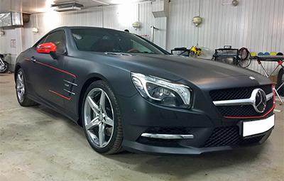 Полная оклейка Mercedes-Benz SL черной матовой пленкой