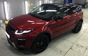 Оклейка крыши и спойлера черной глянцевой пленкой на Range Rover Evoque