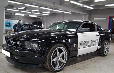 Оклейка Ford Mustang под полицию