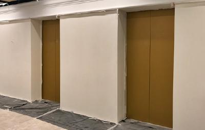 Оклейка лифтов пленкой золотые соты