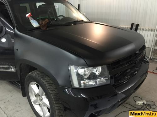 Полная оклейка черной матовой пленкой Chevrolet Tahoe