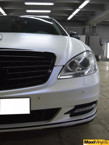 Полная оклейка Mercedes-Benz S class W221 в белый матовый металлик