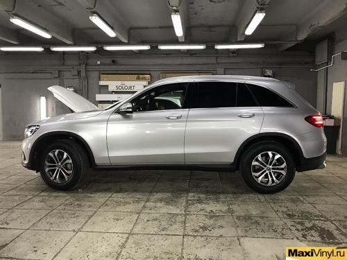 Полная оклейка Mercedes-Benz GLC в серебристый металлик