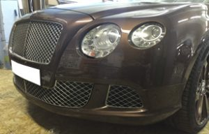 Частичная оклейка полиуретановой пленкой Bentley Continental GT