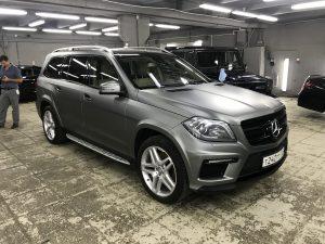 Полная оклейка Mercedes-Benz GLS пленкой серый матовый металлик 2