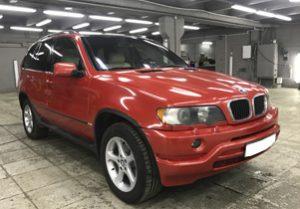 Полная оклейка BMW X5 в красный металлик 4