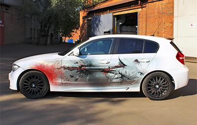 Оклейка BMW 1-ой серии в белый перламутр с нанесением винилографии