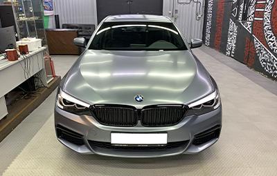 Полная оклейка BMW 5 серии в матовый полиуретан
