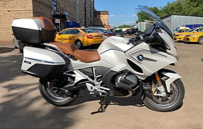Полная оклейка мотоцикла BMW R1250RT в полиуретан
