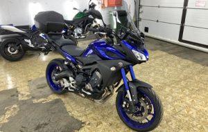 Полная оклейка мотоцикла Yamaha MT-09 в синий металлик