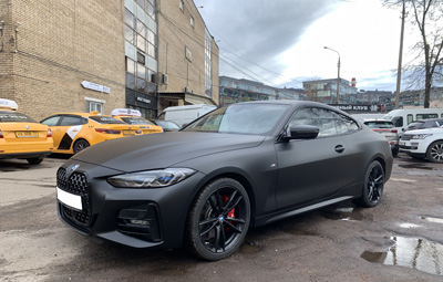 Полная оклейка BMW 4 series в чёрный мат