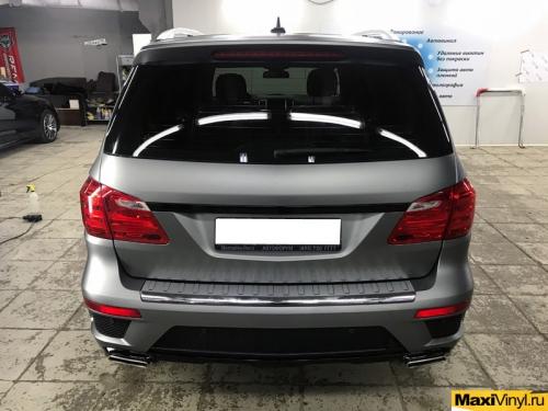 Полная оклейка Mercedes-Benz GLS пленкой серый матовый металлик
