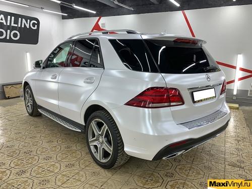 Полная оклейка Mercedes-Benz GLE в белый перламутр