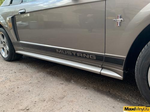 Изготовление полос на пороги для Ford Mustang