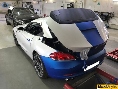 Полная оклейка BMW Z4 в золотисто-зеленый мат