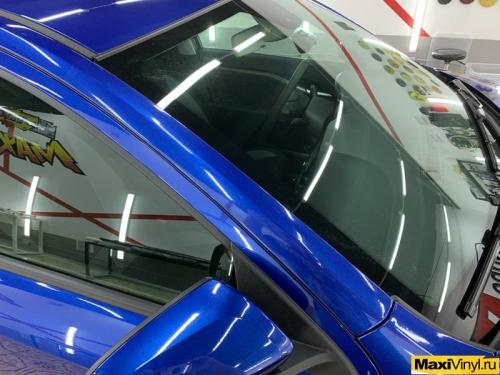 Оклейка передней части Lada Vesta защитной пленкой