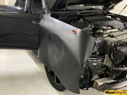 Полная оклейка Land Cruiser в черный мат