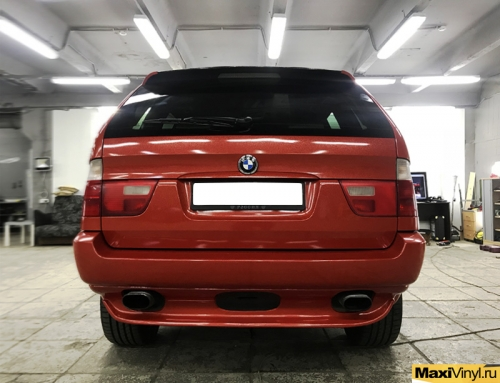 Полная оклейка BMW X5 в красный металлик