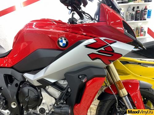 Полная оклейка мотоцикла BMW S1000XR в полиуретан