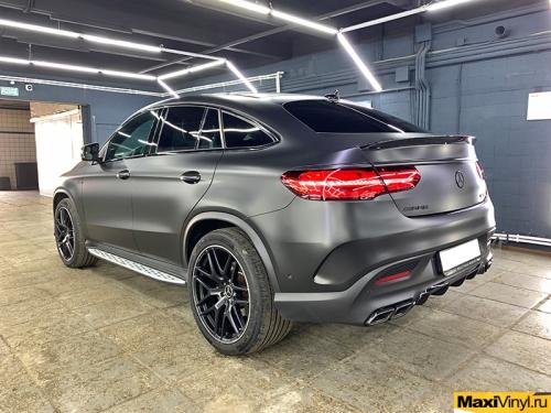 Полная оклейка Mercedes-Benz GLE Coupe в чёрный сатин
